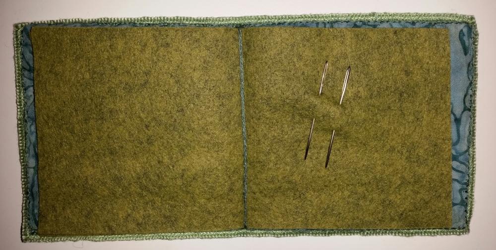 Fuchia Needlebook by Merrilyn Heazlewood (1/3)